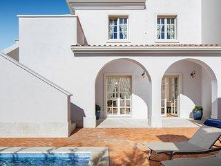 Elegant Villa Claretta with private Pool