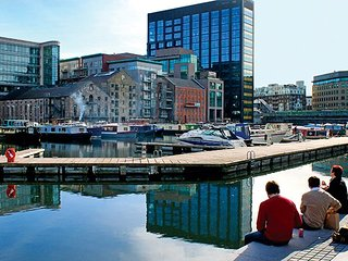 FORBES QUAY, GRAND CANAL DOCK 2BR