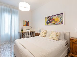 Modern and sleek flat up to 6 guests in Prati