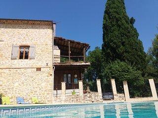 Provence : Lorgues: maison de vacances avec grande piscine prive (10m X 5m)