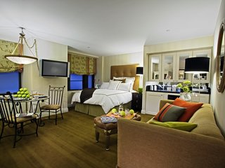 Spacious Manhattan Club Suite