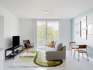 Sonder | Grove 27 | Tranquil 1BR + Private Balcony
