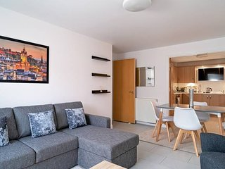 Modern Bright Apartment Near Edinburgh Centre