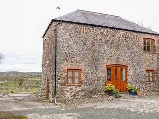 LOWER CHASTY, barn conversion, WiFi, near Holsworthy