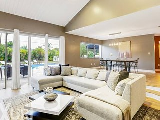 St Ives in Miami (Sleeps 18)