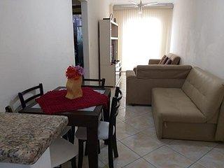 PRAIA GRANDE - Apartamento Completo - 2 quartos ha 1 minuto da Praia - Vista Mar