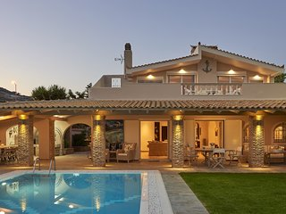 Luxury 4 Bdrm Villa with Pvt Pool on the beach