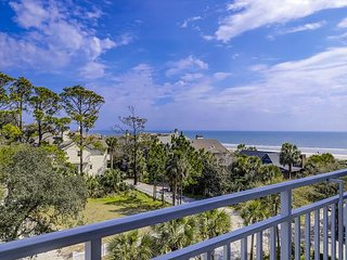 2407 SeaCrest- Oceanviews, Indoor/Outdoor Pool & Spa, Fitness and More.