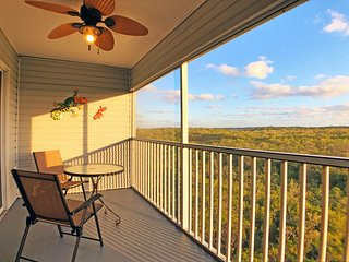 Expansive views, walk to beach and grocer on AMI