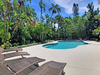 Immaculate beachside private home w/ large pool