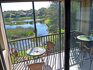 Lake views w/resort amenities, 7min. to beaches