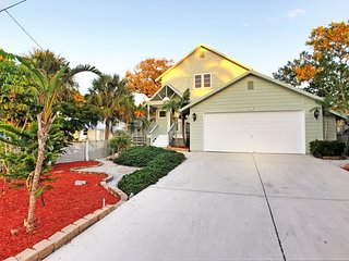 Key west style home close to village and beaches