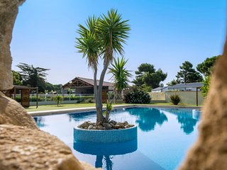 Vendres Holiday Home Sleeps 4 with Pool Air Con and WiFi - 5781460