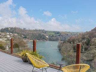 HIGH BANKS, river views, WiFi, Dartmouth