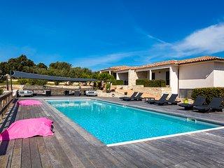 Mini-villa dans la campagne bonifacienne avec piscine chauffée (l'Albitru)