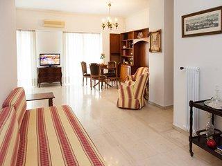 Beautiful, renovated central apartment in Kolonaki