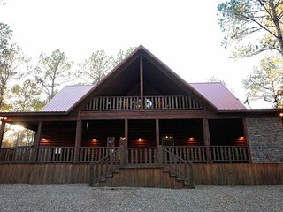 Silver Dollar Lodge (5 Bdrm) (High Lux) HOT TUB