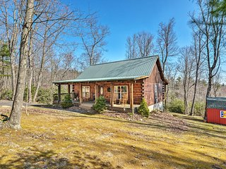 NEW-Hillsville Cabin w/Fire Pit by Blue Ridge Pkwy