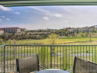 Walk-In Condo on Golf Course w/Pool: Walk to Strip