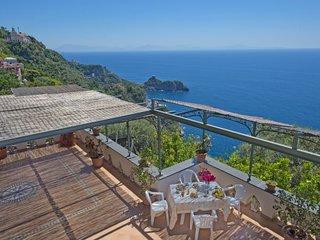 2 bedroom Villa with Air Con and WiFi - 5786036