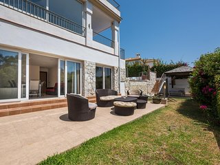 Jimena - 6BR Modern Villa, Stunning Sea Views, Wifi. 5 mins Walk to Beach
