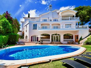 Melissa - Exceptional 9BR Villa in Marbella, 2 km the Beach, Heated Pool, Wifi