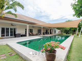 3,5 bedroom private pool villa.