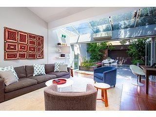 Striking open plan home in quiet inner-city area