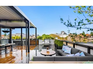 The Ultimate In Bayside Luxury At The Block