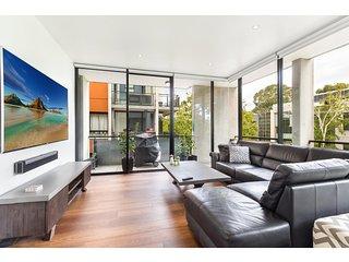 Smart apartment in elegant suburb close to city