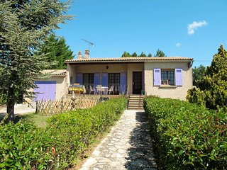 Luberon quiet Villa in full Country (REL200)