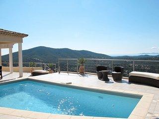 Ferienhaus mit Pool (LAL130)