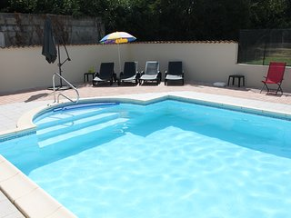 Private Heated Pool, Stunning Scenery & Spacious Accomodation