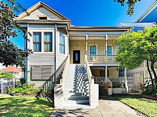 Newly Renovated East End Apartment in Historical Home Near Beach &  Strand