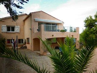 villa 5 chambres,ensoleillee,jardin clos,proche centre