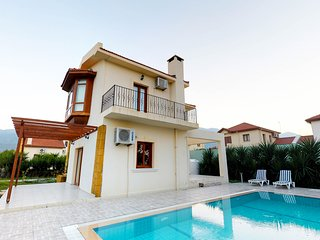 Holiday Villa in Kyrenia/Alsancak ( private pool,walking distance to the sea)