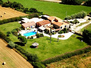 16th C farmhouse quiet holiday in Costa Brava, only 10 minutes to the beach