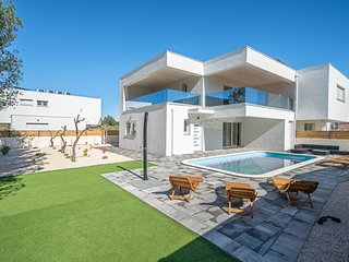 Villa Hypnos with Swimming Pool