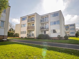 36 DEVONDALE COURT, pet-friendly, WiFi, near Dawlish