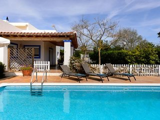 3 bedroom Villa with Pool and WiFi - 5311788