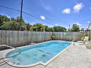 Vero Beach Home w/ Private Pool - 5 Mi to Beach!