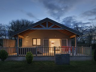 Kingfisher Lodge, Redlake Farm - Nestled away in the Somerset countryside this t