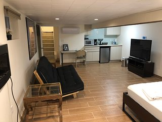 Private Studio in Heart of Queens NYC Fully Renovated Sleeps 4