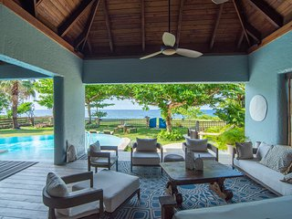 Luxury Ocean Front Villa w/ Private Pool & Beach Cove *DISCOUNTS* 3&4 Room rates