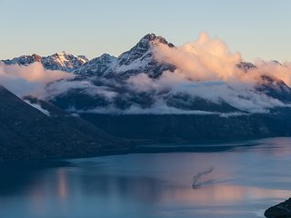 Rent Your Dream 5 Star Villa Overlooking the beautiful Lake Wakatipu in
