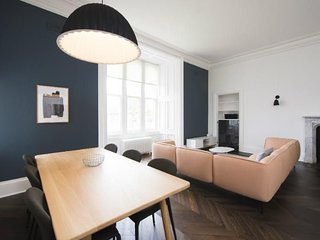 Matheson (Deluxe 3-bedroom apartment) - Deluxe 3-bedroom apartment within the be