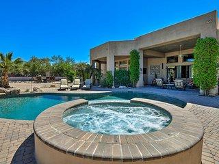 'Cactus Corridor' - a Luxurious Scottsdale Villa!