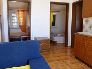 Vidalici Apartment Sleeps 4 with Air Con and WiFi - 5811559