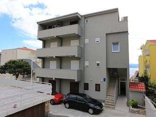 One bedroom apartment Nemira (Omis) (A-17039-b)