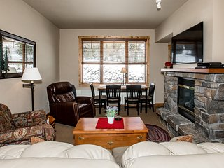 Perfect ski and summer base lodge - Direct ski in and ski out